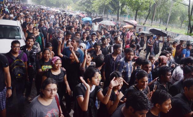 kolkoa-students-protest-police-violence2.jpg