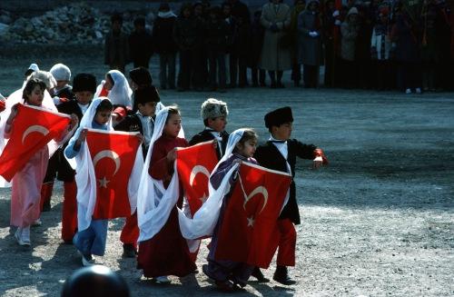136-1427 Atat. bayram parade